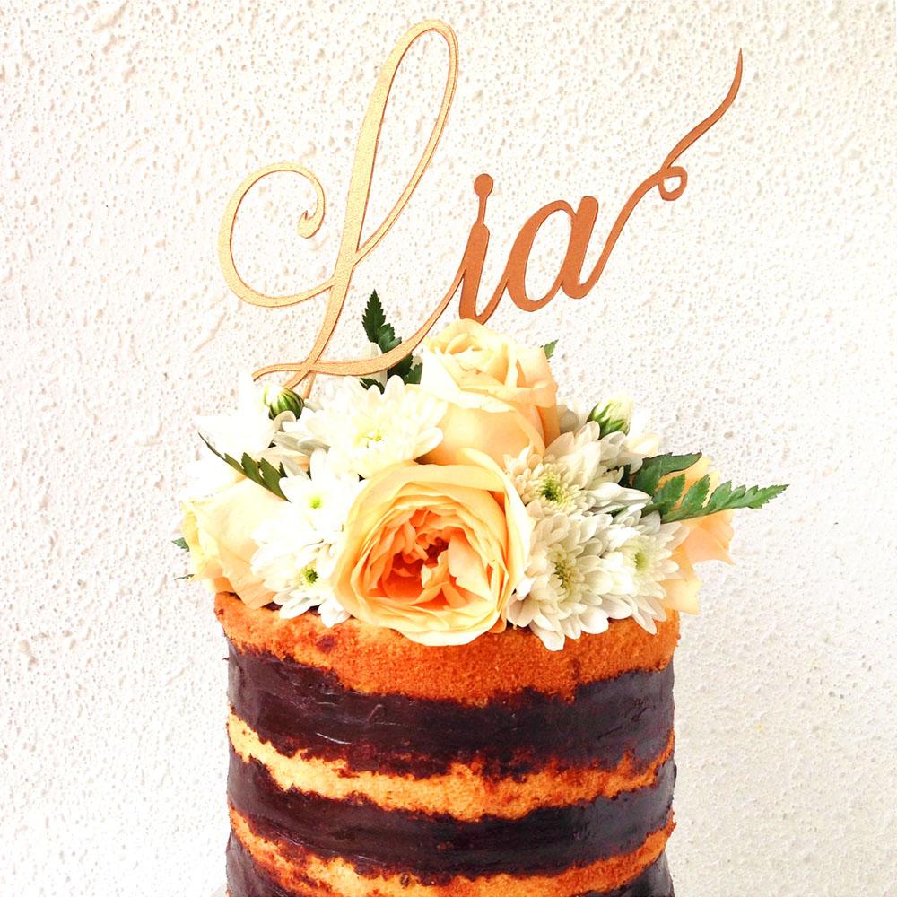 Cake topper untuk dekorasi kue dengan customize nama