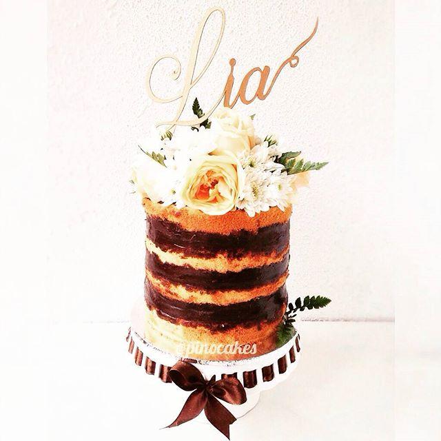 Cake Topper dari paper cutting dengan nama atau ucapan di kue/bunga